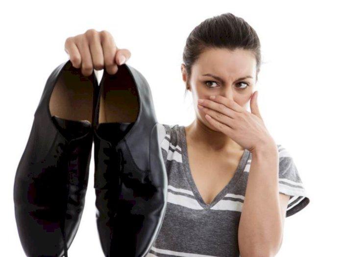 Tips Hindari Sepatu Bau
