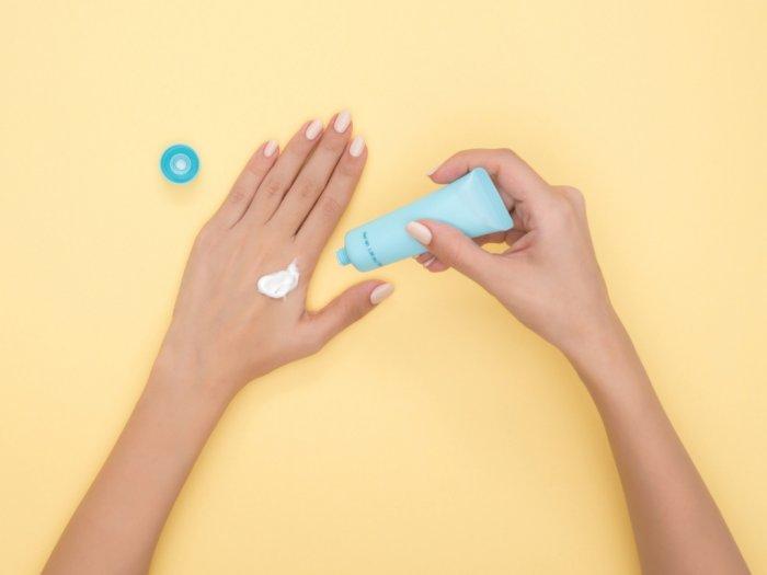 Kenali Ciri-ciri Sunscreen yang Sudah Kedaluwarsa