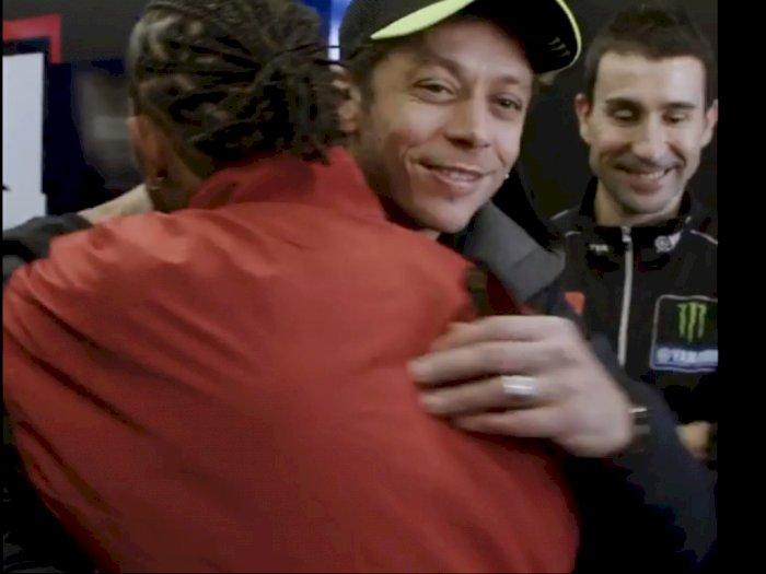 Inilah Video dari Pertukaran Kendaraan Oleh Hamilton dan Rossi