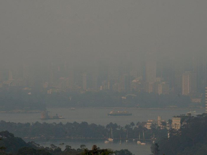 FOTO: Kabut Asap Kebakaran Hutan Selimuti Sydney