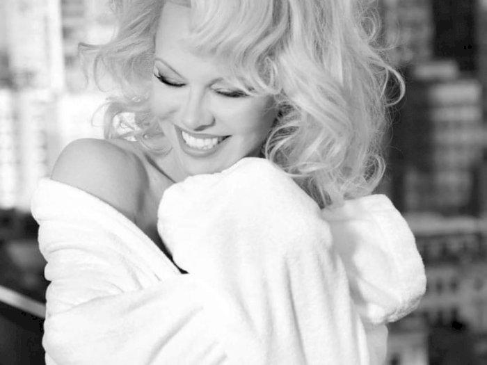 Pamela Anderson Nikah Kelima Kalinya dengan Mantan Pacar