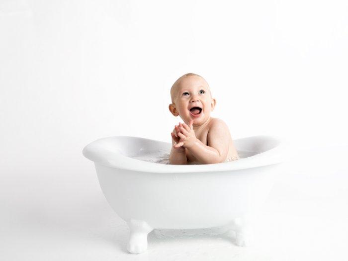 Penting Jaga Kebersihan Handuk Bayi, Ini Aturan Mencucinya