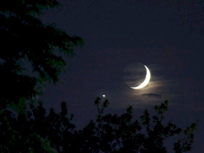 Malam Ini, Venus dan Bulan Bakal Saling Berpapasan
