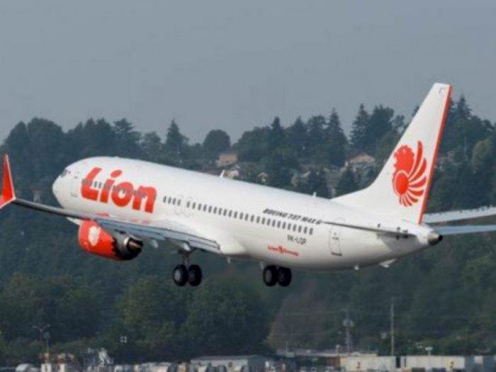 Lion Air Resmi Stop Sementara Layanan Penerbangan Umroh