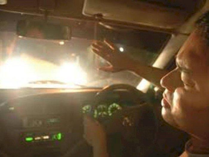 Bukan Salah Lampu, Ini Penyebab Lawan Berkendara Silau saat Mengemudi