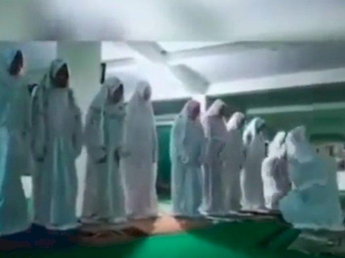 Lagi, Viral Video Permainkan Gerakan Salat, Pelakunya Perempuan Berjamaah
