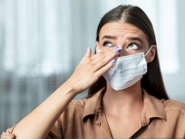 Benarkah Terlalu Lama Pakai Masker Bisa Pingsan?