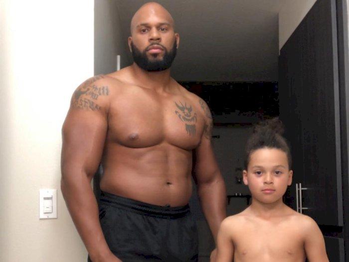 Pegulat WWE Ini Meninggal Dunia usai Menyelamatkan sang Anak yang Terbawa Ombak