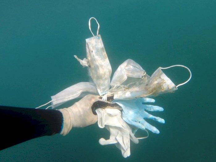 FOTO: Penampakan Sampah Masker dan Sarung Tangan di Laut Mediterania