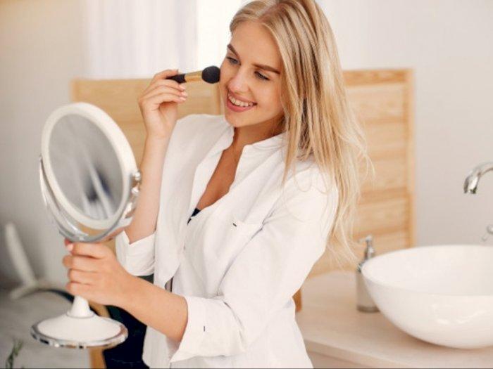 Yuk, Ikuti Tips Aman Gunakan Makeup di Tengah Virus Corona