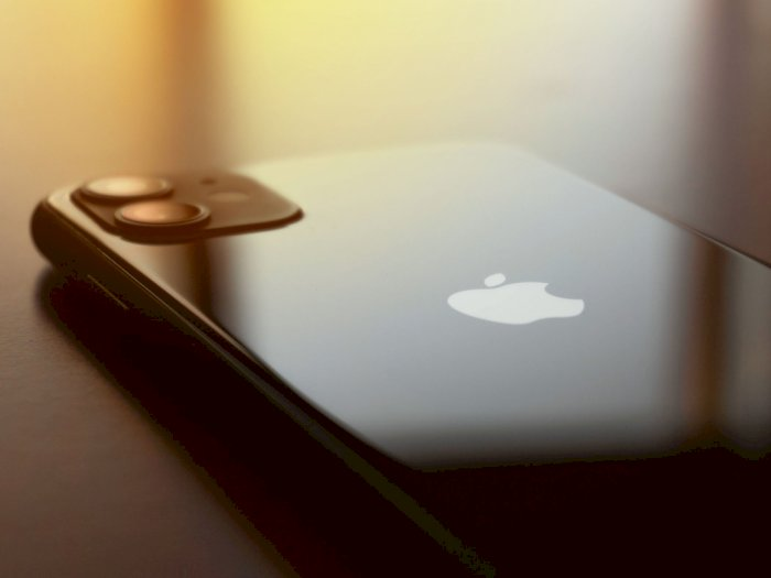 Rumor: iPhone 12 Dijual Tanpa Kepala Charger dan Earphone, Bercanda?