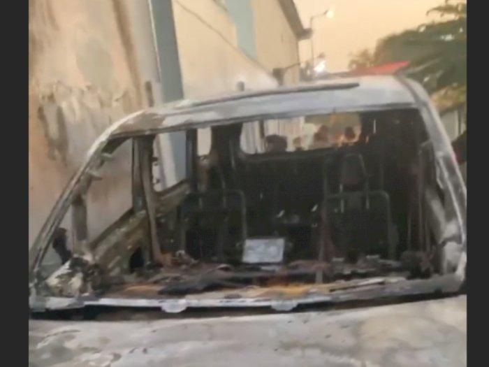 Mobil Alphard Dibakar Orang, Via Vallen: Ya Allah Astagfirullah
