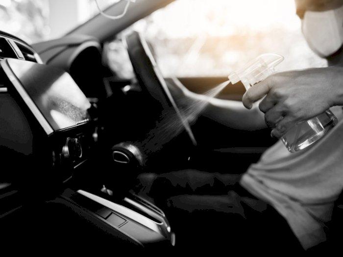 Dukung Mobil Tetap Steril, Mitsubishi Lakukan Treatment dengan Disinfektan