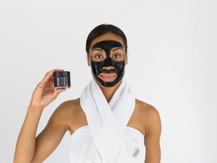 Komedo Buat Tak Percaya Diri? Ini 3 Rekomendasi Skincare untuk Mengatasinya