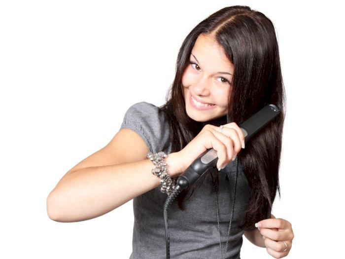 Rambut Rusak Akibat Sering Catok? Ini 4 Tips Mengatasinya