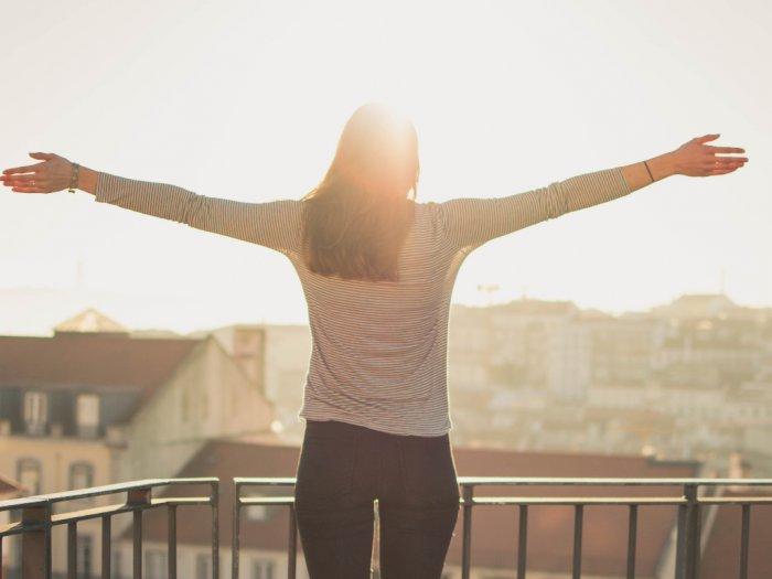 Berapa Lama Waktu Dibutuhkan untuk Berada di Bawah Sinar Matahari Demi Penuhi Vitamin D?