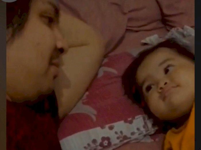 8 Bulan Tak Bertemu, Momen Pertemuan Bayi Perempuan dengan Ayahnya Bikin Terharu