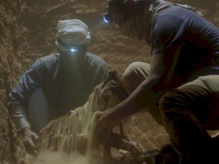 """Sinopsis """"Secrets of the Saqqara Tomb (2020)"""" - Menguak Makam Tak Tersentuh 4.400 tahun"""