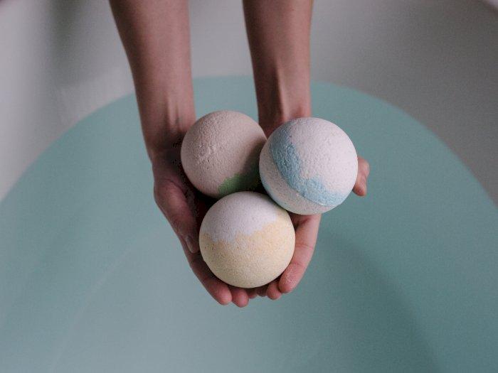 Benarkah Mandi dengan Bath Bombs Bisa Membahayakan Kulit?