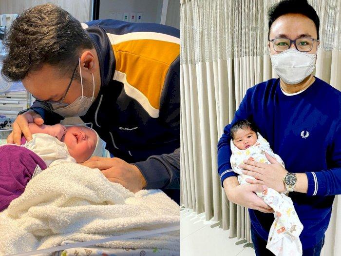 Kisah Haru Dokter Azankan Bayi Baru Lahir Karena Ayahnya Meninggal Terinfeksi Covid-19