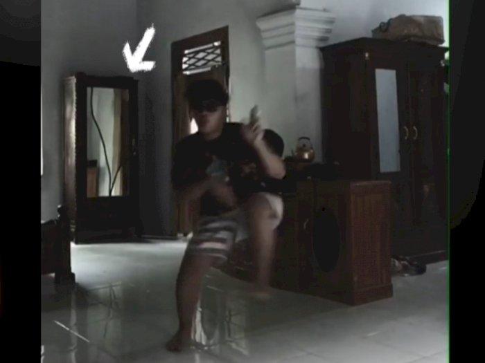 Viral Cowok Bikin Video Tiktok, Tiba-tiba Lemari Terbuka, Netizen Lihat Ada Sosok Ini