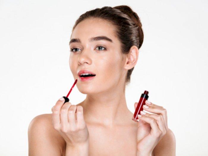 3 Pilihan Lipstik Tahan Lama yang Cocok untuK Kencan Makan Malam Akhir Pekan Ini