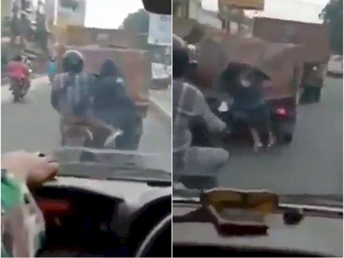 Video Bajing Loncat Dipergoki TNI, Nekat Curi Bawaan Truk di Jalan Ramai, Begini Nasibnya