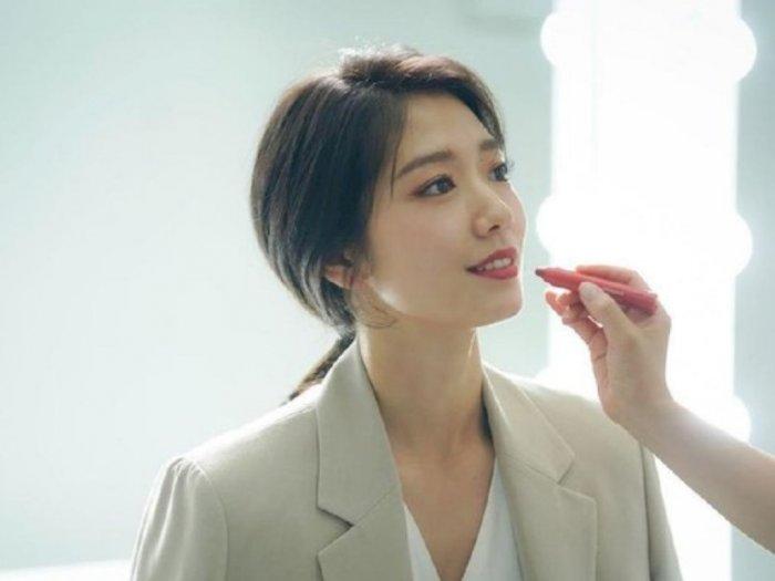 4 Trik Makeup Natural ala Korea Kelihatan Awet Muda