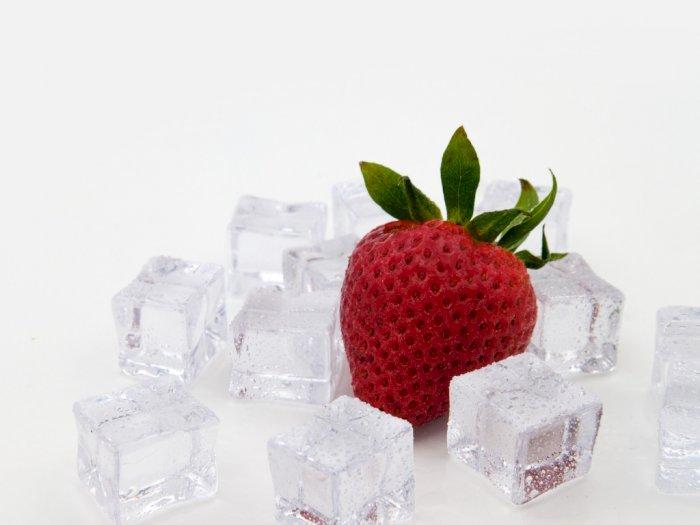Berikut Penjelasan Mengapa Mengunyah Es Batu Sangat Tidak Baik Untuk Kesehatan Gigi