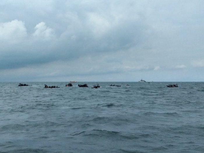 Gelombang Laut Tinggi di Kepulauan Seribu, TNI AL dan Sea Rider Trus Cari Kotak Hitam