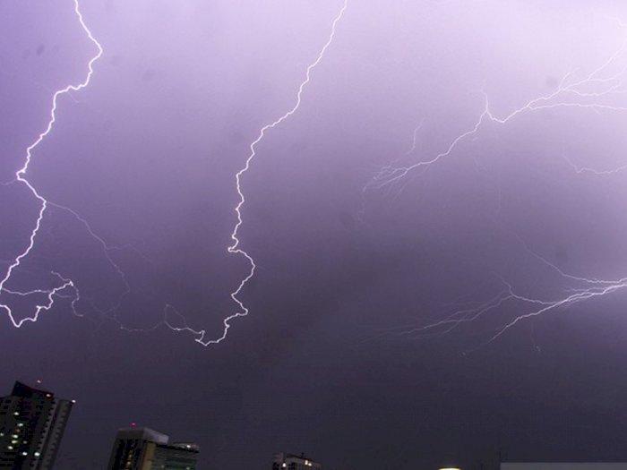 Kabar Cuaca Jakarta Hari Ini: Waspada Angin Kencang Disertai Petir