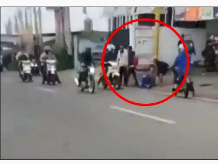 Seorang Pemuda Dibacok dan Dikeroyok Anggota Geng Motor Saat Menyeberang Jalan di Cianjur