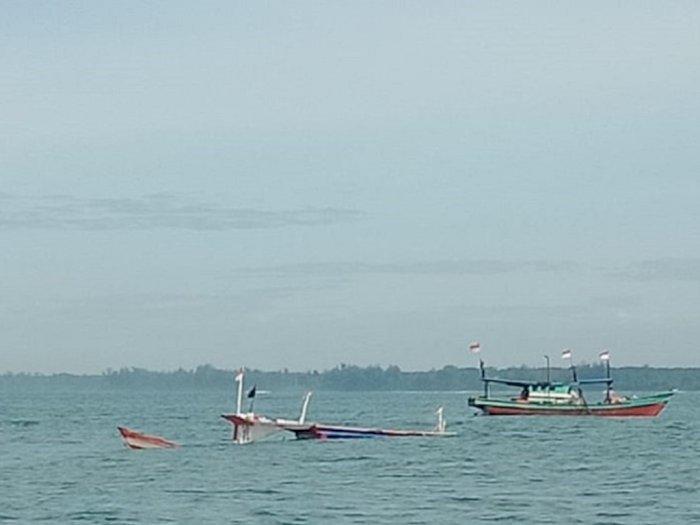 Kapal Tenggelam di Mukomuko, Polisi Sebut Dua Kapal Lain Sedang Berusaha Menarik ke Muara
