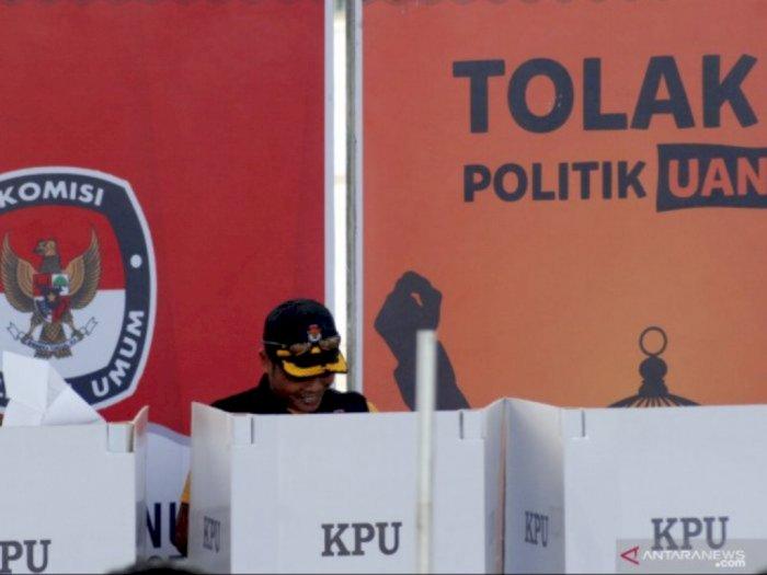 Survei Indikator Politik: Mayoritas Masyarakat Ingin Pilkada Digelar 2022 dan 2023