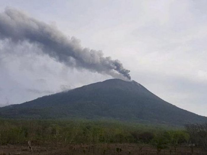 Gunung Ili Lewotok Berstatus Siaga Level III, Pemkab Lembata Imbau Warga Terus Waspada