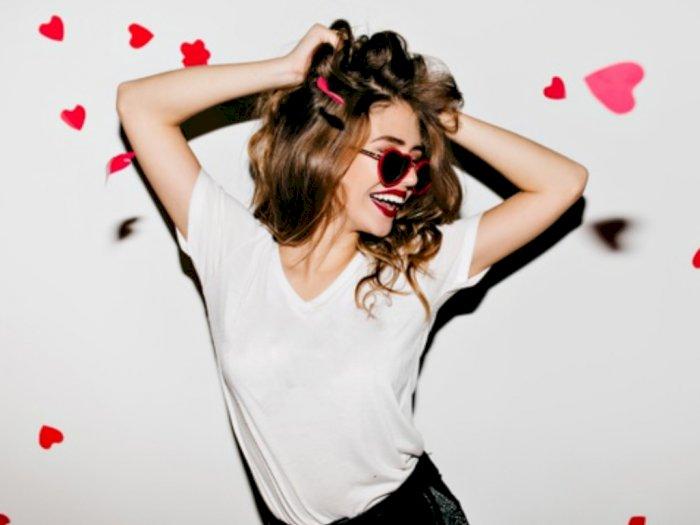 5 Rekomendasi Gaya Padu Padan Busana Chic saat Valentine Meski di Rumah Saja
