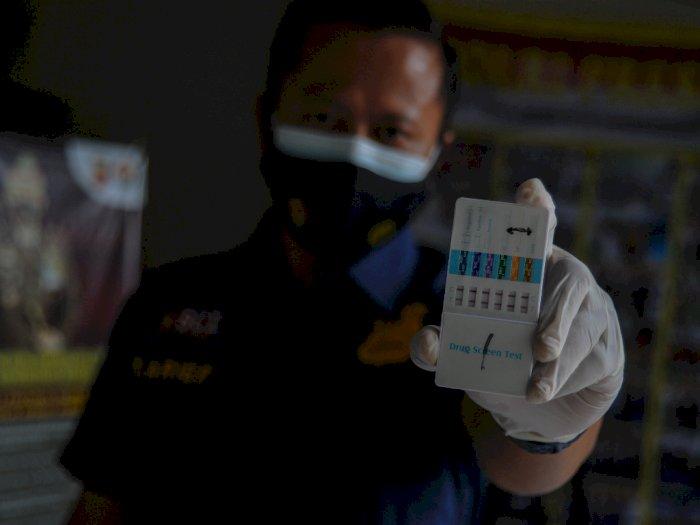 FOTO: Inspeksi Mendadak Tes Urine Polsek Sumur Bandung