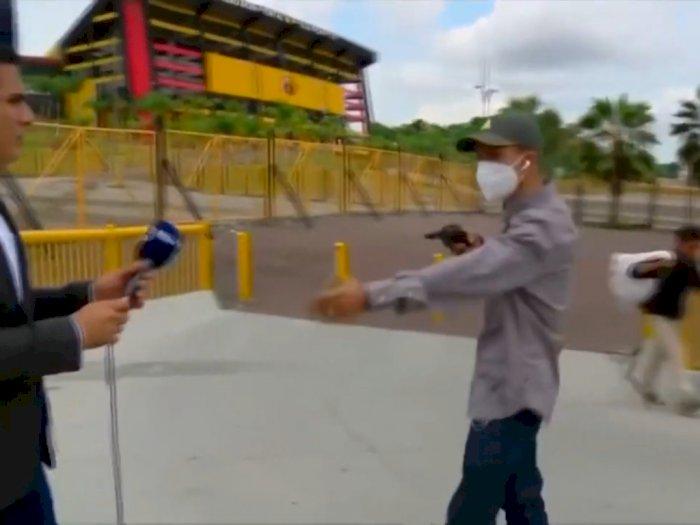 Lagi Siaran Langsung, Reporter TV Ini Alami Perampokan, Pelaku Todongkan Pistol