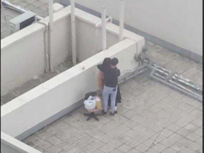 Heboh Pasangan Asyik Bermesraan di Atas Gedung Sepi, Netizen: Astagfirullah
