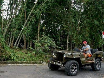 FOTO: Produksi Mobil Jeep Custom di Yogyakarta