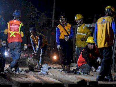 FOTO: Penanggulangan Amblesnya Jembatan Jalur Pantura Bekasi