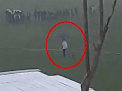 Video Jokowi Rela Hujan-hujanan Demi Cek Pompa Air di Tengah Sawah Jadi Perdebatan