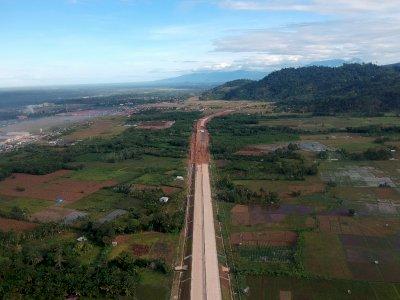 FOTO: Anggaran Pembebasan Lahan Tol Padang-Pekanbaru