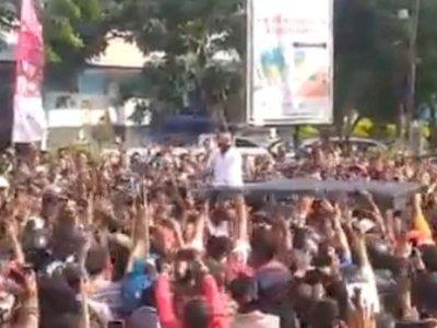Ketua DPRD NTT Bela Presiden Jokowi Soal Kerumunan, 'Bukan Diatur, Tapi Spontanitas Warga'
