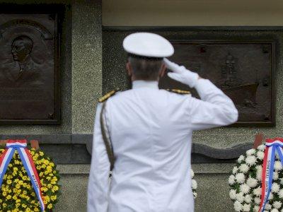 FOTO: Ziarah Makam Kehormatan Korban Pertempuran Laut Jawa