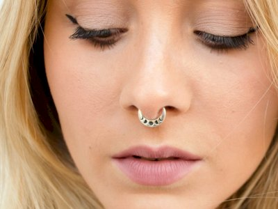 Duh! Wanita Ini Harus Jalani Transplantasi Hati Gegara Tindik Hidung