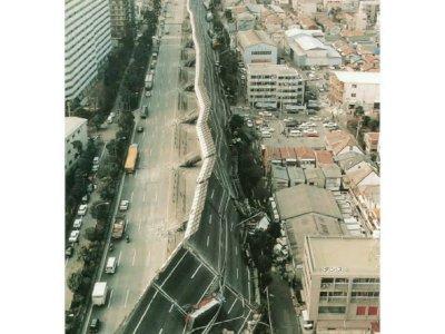 Kilas Balik: Tampilan Jalanan Layang Jepang yang Rusak Parah Akibat Gempa Berskala 7,2 R