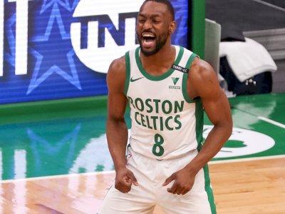 FOTO: Walker Membawa Celtics Kalahkan Clippers 117-112