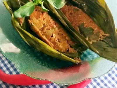 Menu Makan Nikmat Hari Ini: Pepes Telur Kepiting