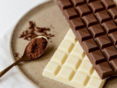 Ini 3 Makanan yang Wajib Kamu Makan Saat Merasa Lelah, Salah satunya Cokelat Hitam!